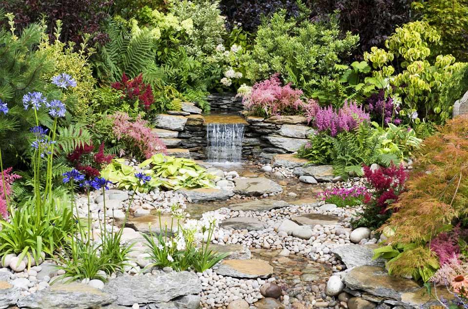Bachlauf Im Eigenen Garten Gev Versicherung De